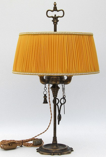 Florentine Small oil lamp antiqued with yellow plissè lampshade