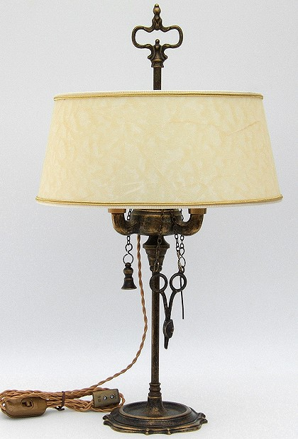 Florentine Small oil lamp antiqued with lampshade made of parchment